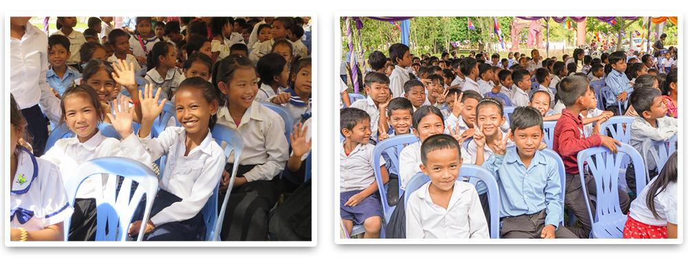 子供達の笑顔の集合写真